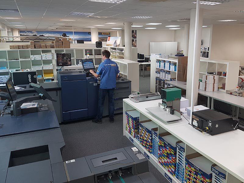 Im Digitaldruck drucken wir in Hamburg in unserer Druckerei Flyer, Broschüren, Visitenkarten, und vieles mehr.